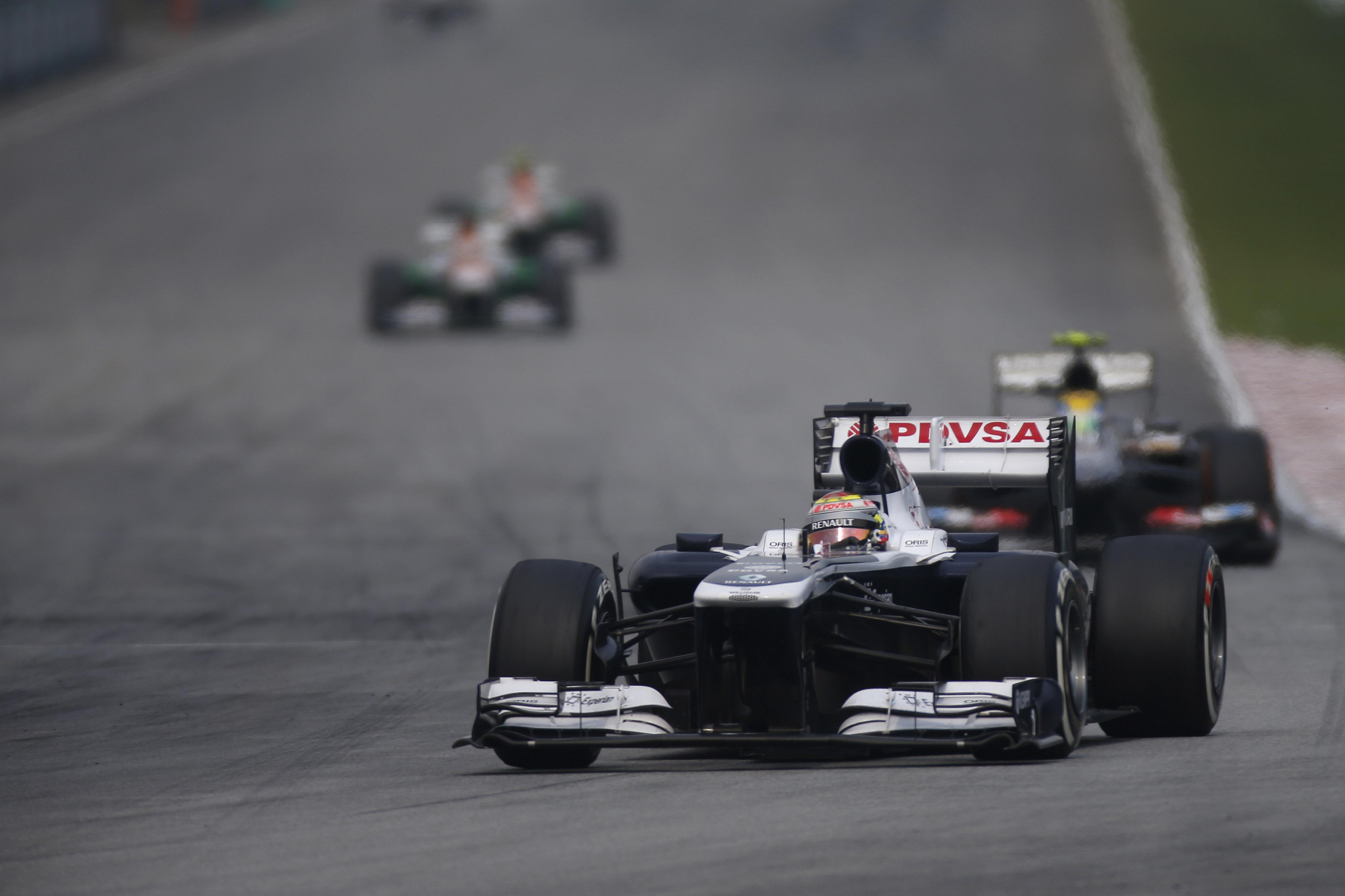 Avería impidió que Maldonado culminará carrera en Malasia
