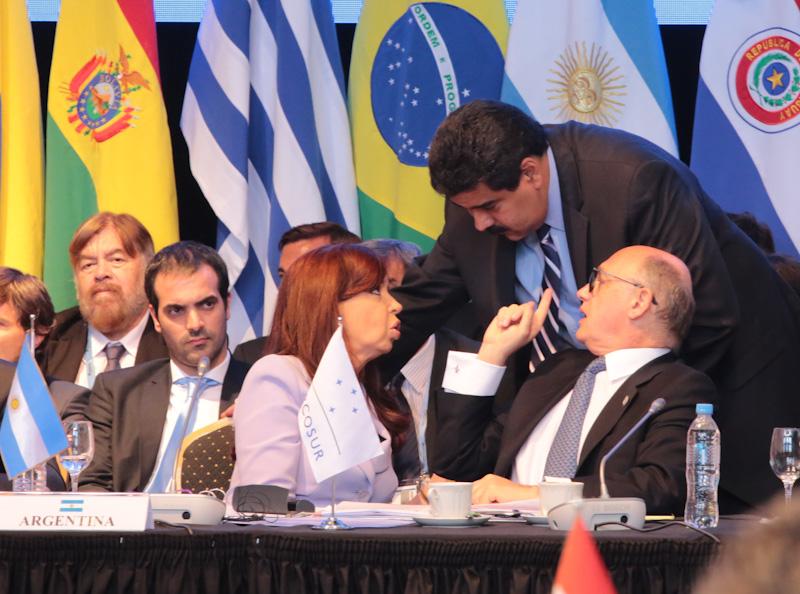 DECLARACIÓN ESPECIAL DE LAS PRESIDENTAS Y LOS PRESIDENTES DEL MERCOSUR SOBRE LA APROBACIÓN DE SANCIONES CONTRA LA REPÚBLICA BOLIVARIANA DE VENEZUELA