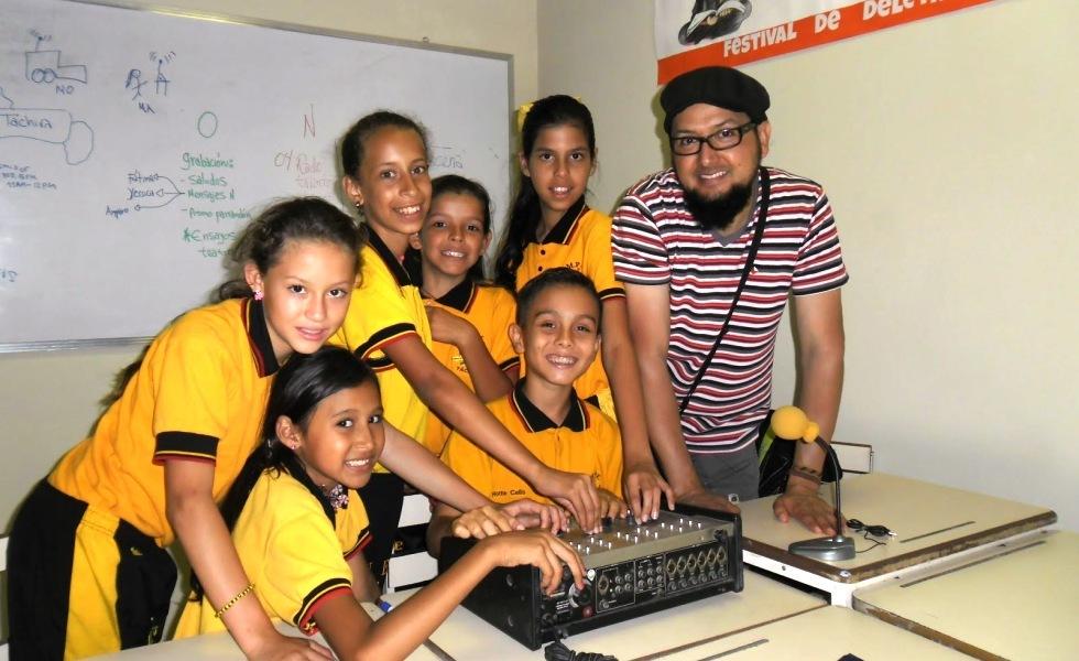 """Durán es el coordinador de la """"Radio Talento"""" iniciativa de producción radiofónica escolar del estado Táchira"""