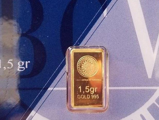 Maduro compró un lingote de oro como ahorro