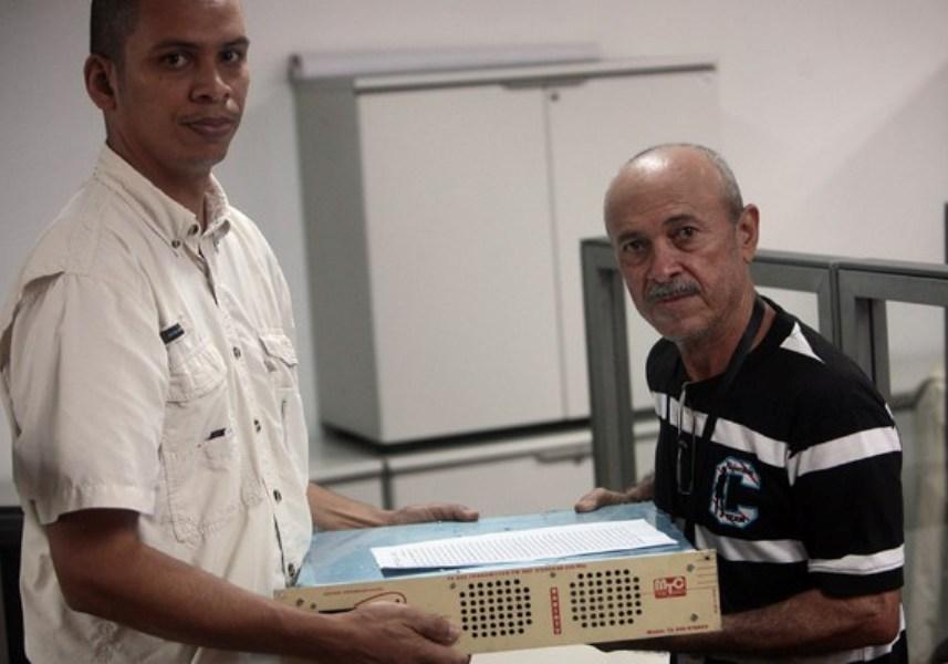 Con más de 10 años de transmisión, la radio comunitaria Impacto 104.7 FM continua fortaleciendo la comunicación popular en Maracaibo, impulsando los medios comunitarios y trabajando por la Patria