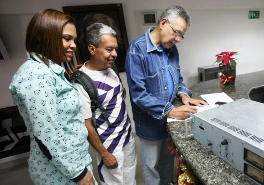 El ente regulador, como parte de sus funciones en la promoción e impulso de la comunicación popular, entregó un transmisor excitador a la Fundación Comunitaria Los Junquillos.