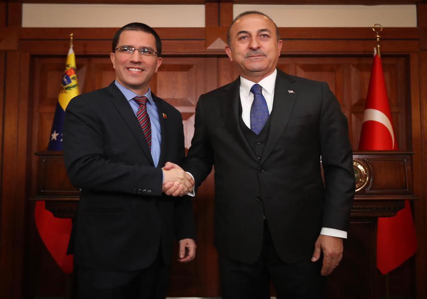Canciller venezolano llega a Turquía a revisar cooperación bilateral