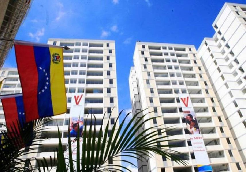 Si quieren hablar de DDHH hablemos de la gran misión vivienda — Maduro