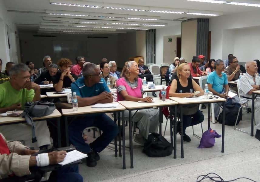 Más de 40 comunicadores populares de Caracas, Vargas y Miranda recibieron formación para publicar información en la web